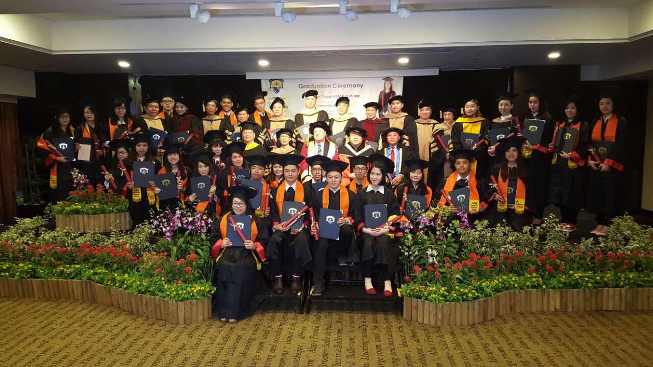 St Clements Singapore graduation Nov 2015.