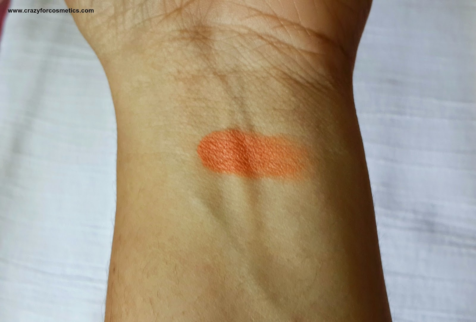 Kryolan Derma  color Camouflage Creme in D 30 review-Kryolan Derma  color Camouflage Creme in D 30 India-Kryolan Camouflage Creme orange corrector review-orange brightener for dark circles-Kryolan India Orange brightener for dark circles- hiding dark circles using color correction