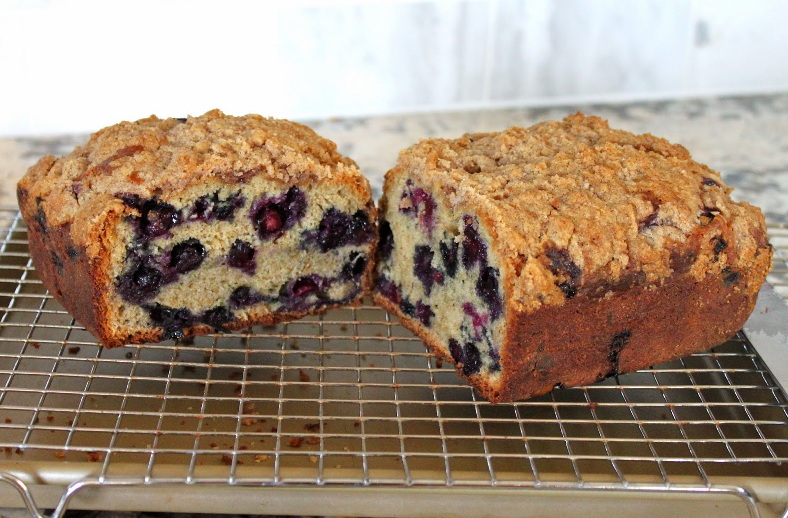 Baked Perfection: Blueberry Muffin Cake
