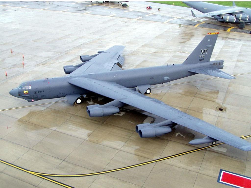 B52H stratofortress B-52_001