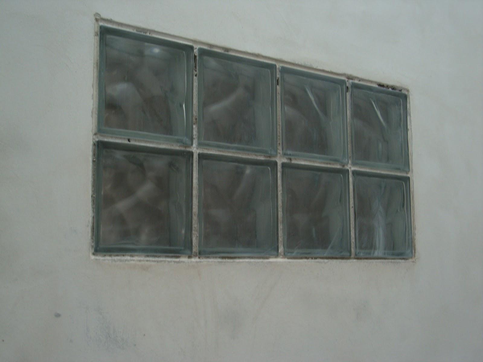 Odisseia Habitacional: Tijolos de vidro #505C59 1600 1200