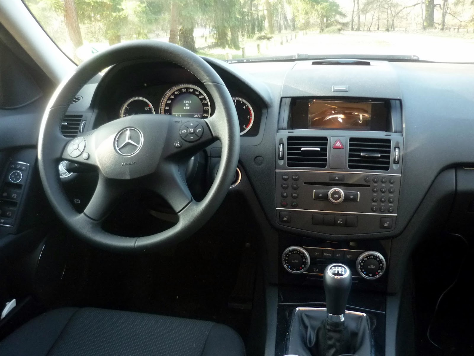 Guitigefilmpjes car review mercedes benz c180 avantgarde for Cdi interior design