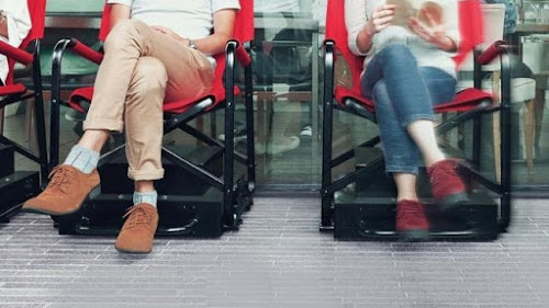 Conheça a 'cadeira inteligente' que fica na fila por você