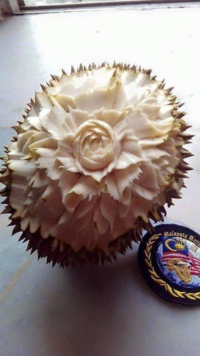 ukiran-kulit-buah-durian
