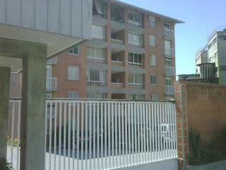 Solicitamos a toda brevedad apartamentos, casas, local comercial en venta, Zona Caracas, para Cartera de Cliente en Espera. Ofrecemos negociación y asesora jurídica  ágil, segura y fácil.  Telef.  0412.3.605721.0212.4223247