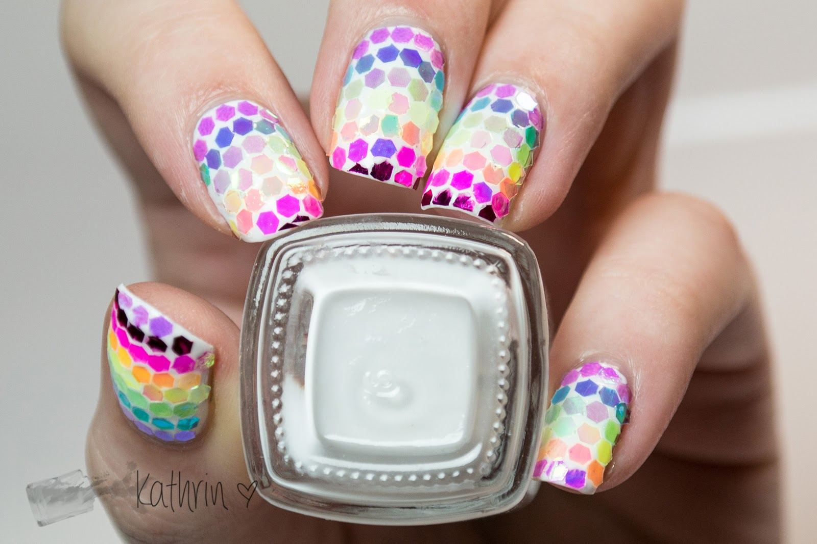 http://rainpow-nails.blogspot.de/2015/01/regenbogen-reloaded-glequins-rainbow.html