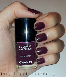 Swatch of Chanel Le Vernis Vogue Fashion Night Limited Edition Nail Colour in Provocation