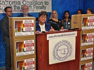 Sr. Helen Prejean delivering 267,000-strong petition against Richard Glossip Oklahoma execution.