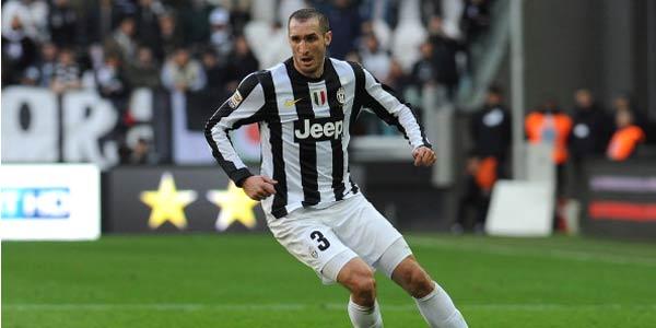 Rossoneri Pernah Tolak Bek Tangguh Juventus