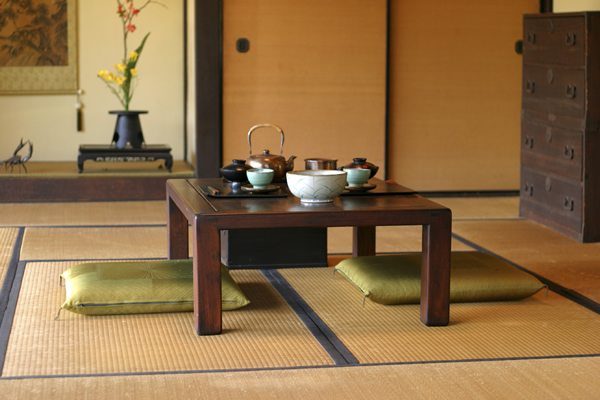 Simple japanese style living room for Living room japanese style