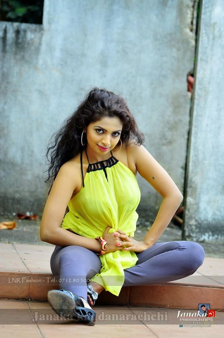 Lakshika Jayawardhana bra visible