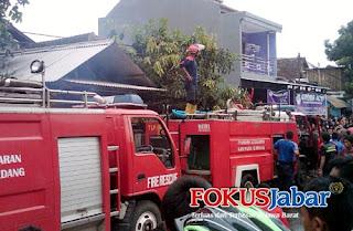Bengkel Motor dan 2 Kios di Sumedang Ludes Dilalap Si Jago Merah