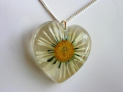 Daisy Flower Pendant