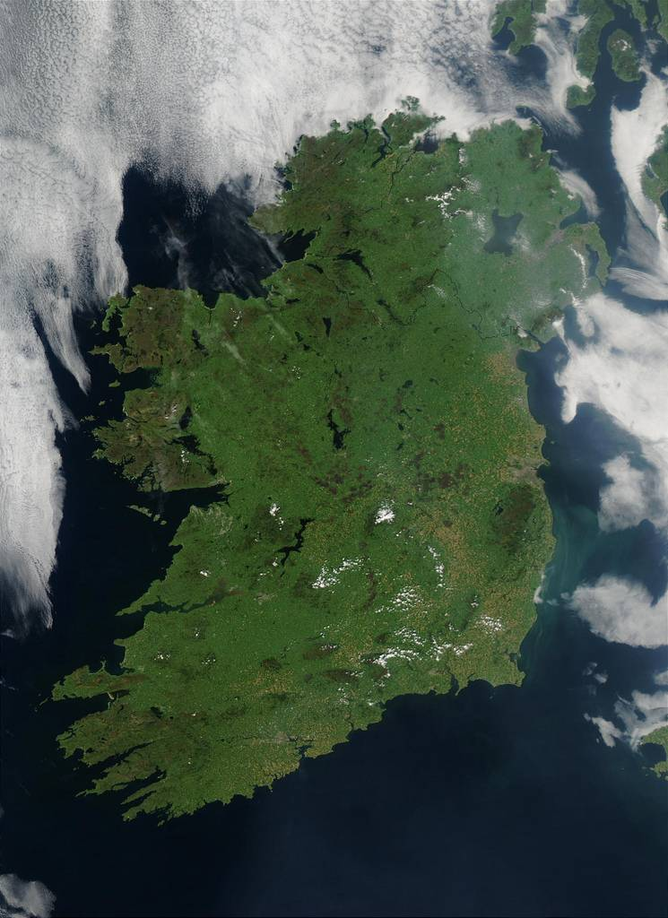 10 Strange and Fun Facts About Ireland