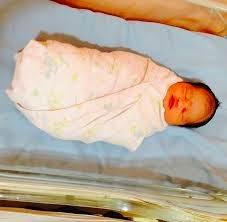 Linda Hashim Lahirkan Bayi Perempuan