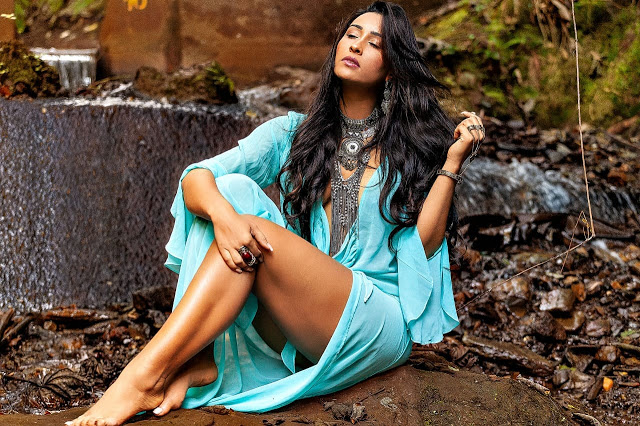 Lais Cruz faz ensaio especial para revista mulher mais bonita