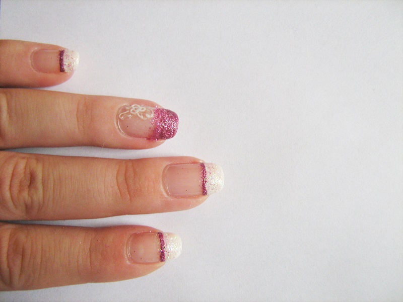 French with a Twist Matching Manicure tanya minxy blog