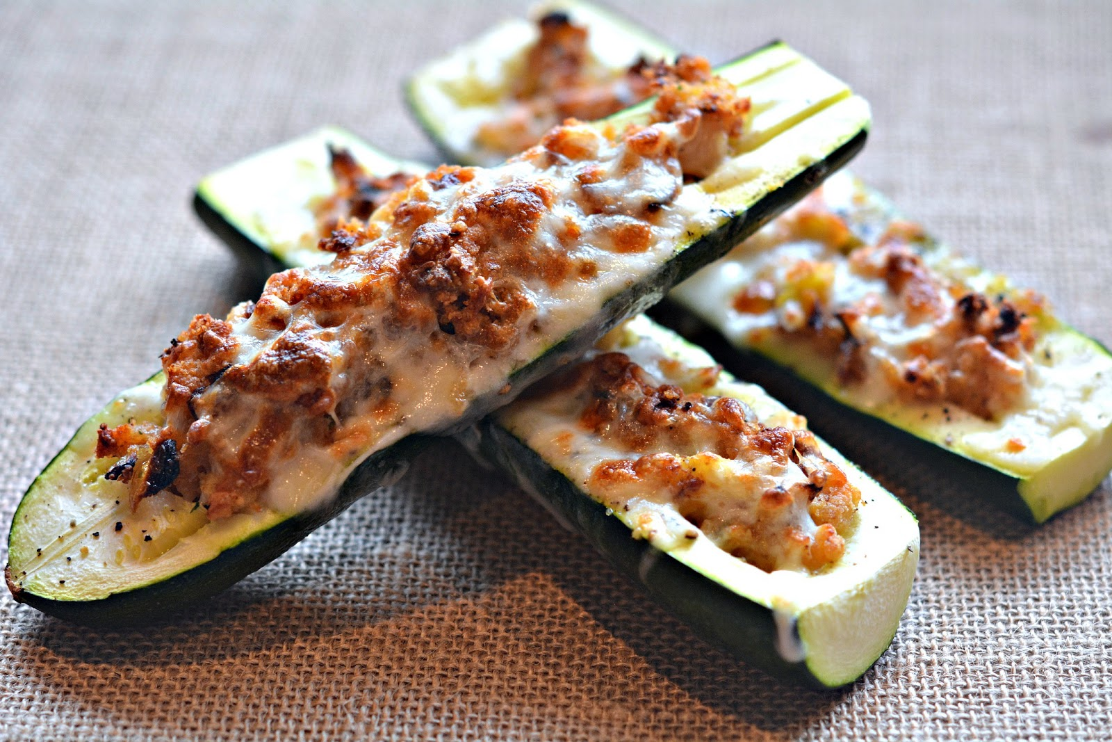 STUFFED ZUCCHINI BOATS - Hugs and Cookies XOXO