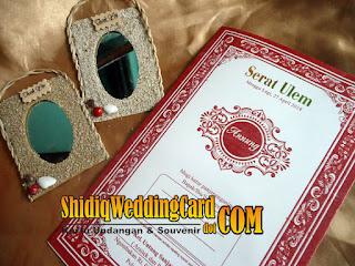 http://www.shidiqweddingcard.com/2016/01/paket-undangan-dan-souvenir-3.html