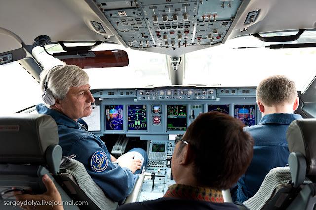 Pilot dan Co-Pilot Yang Menjadi Korban Sukhoi Superjet 100