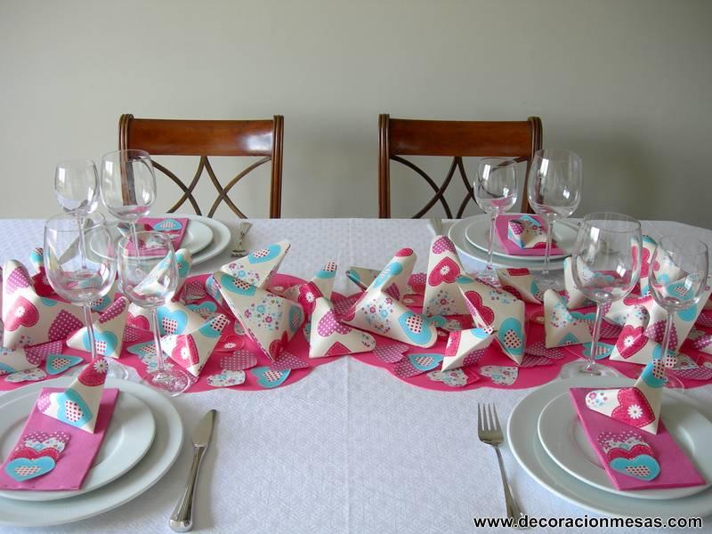 Decoracion de mesas mesa 60 cumplea os con corazones for Decoracion de mesa de cumpleanos