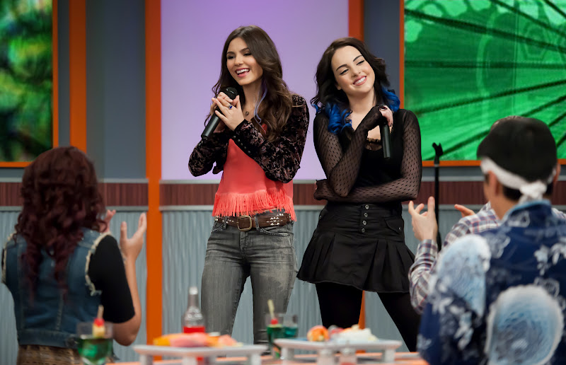 who is tori vega dating in victorious