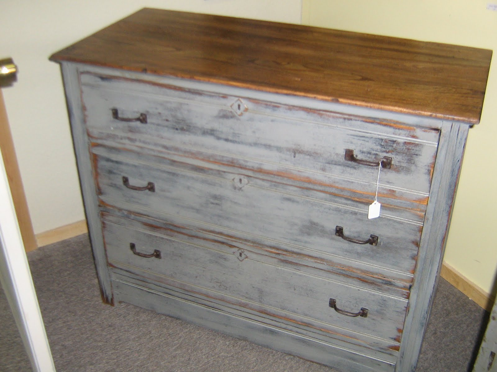 MyAntiqueBarn OAKGRAY DISTRESSED DRESSER