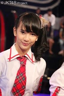 Foto Cantik Beby Chaesara Anadila JKT48 Pakai Seifuku Red Terbaru