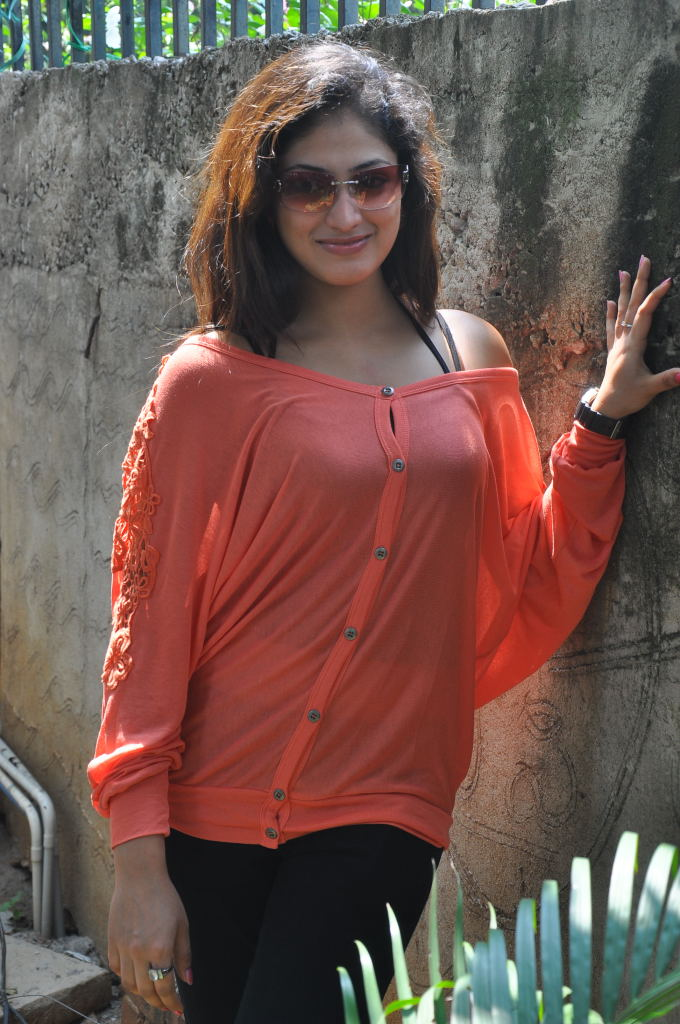 Stills Pilla Zamindar Success Meetk Hari Priya New Hot