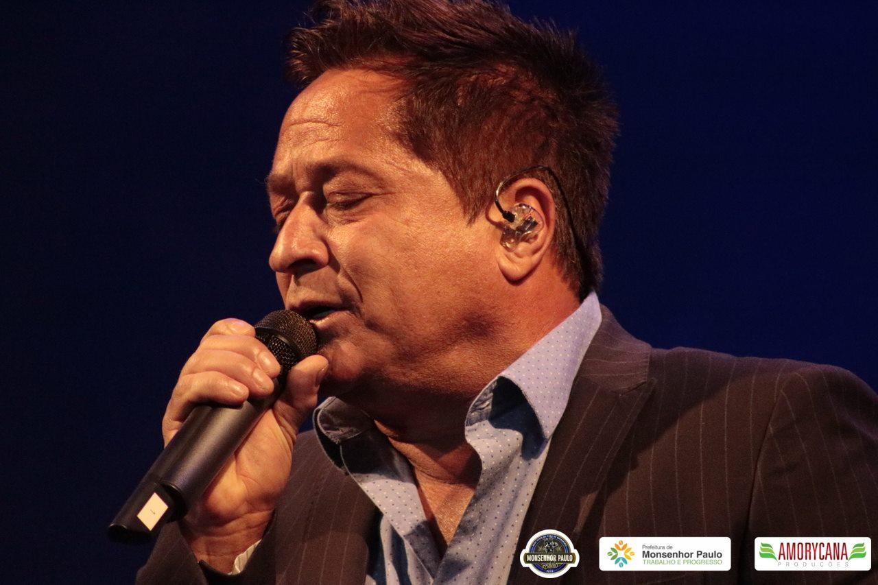 Turnê Canto Bebo E  Choro Leonardo em MONSENHOR PAULO/MG 14/7/2018