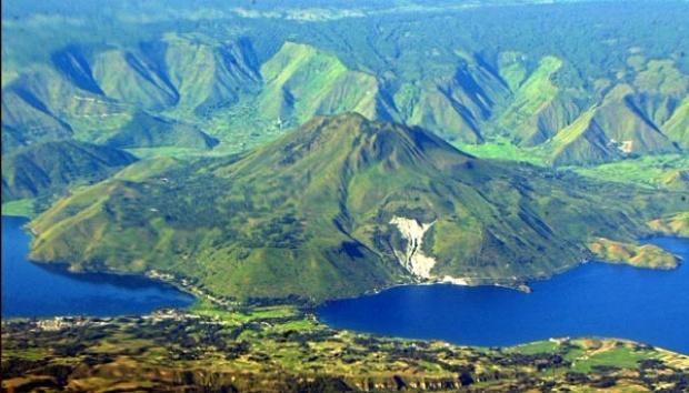 7 Kisah Misteri Populer di Danau Toba
