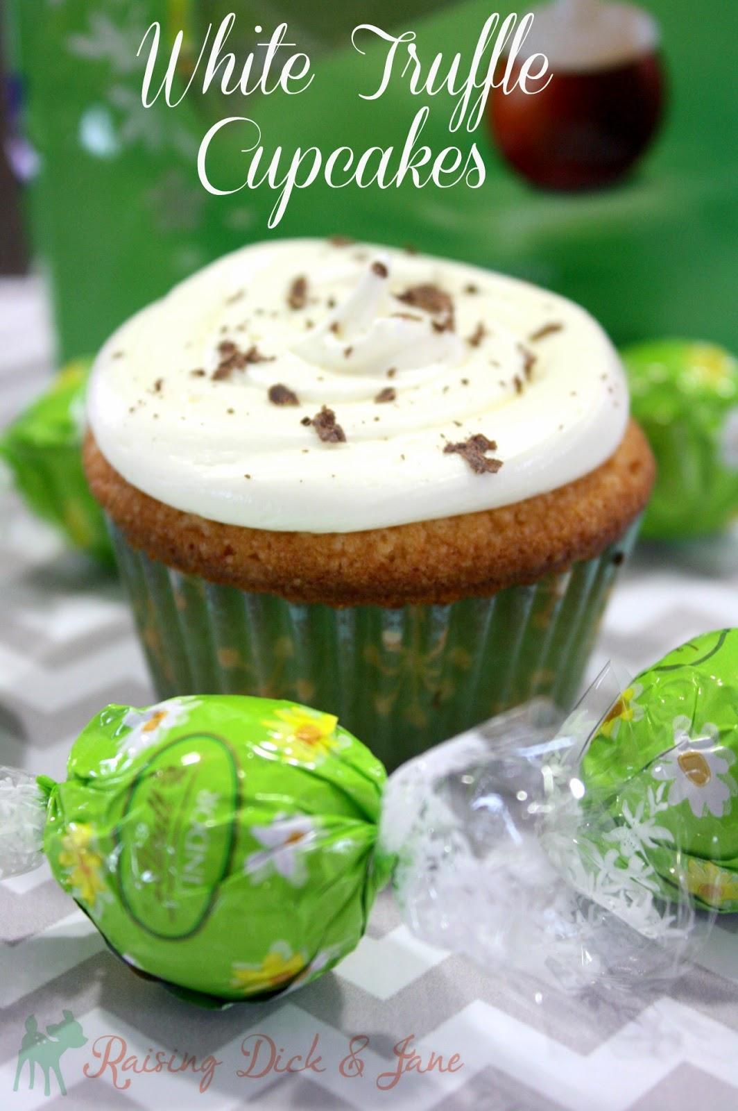 #ad #LindtGOLDBUNNY White Truffle Cupcakes