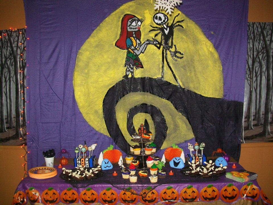 Theme Queen: Nightmare Before Christmas Halloween Party