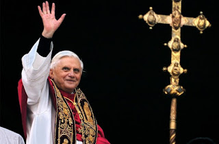 Pope Benedict Waves to Crowd