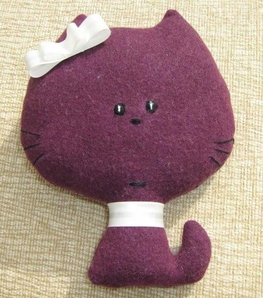 Игрушка из фетра котик