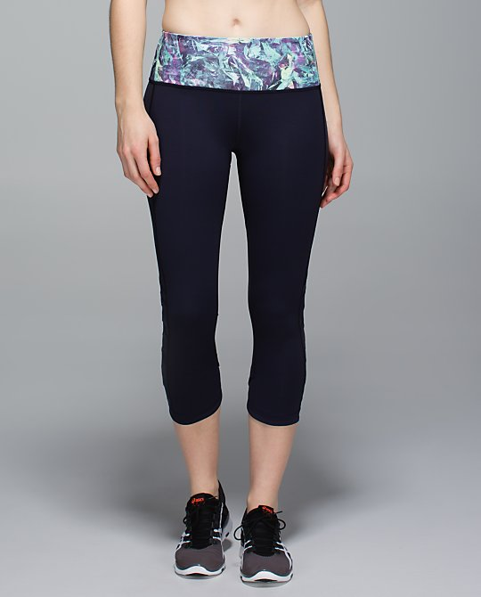 lululemon-var-city-crop iridescent-multi