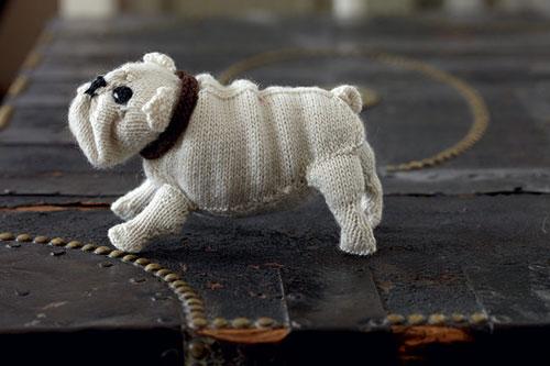 Peluche de perro hecho en casa a mano