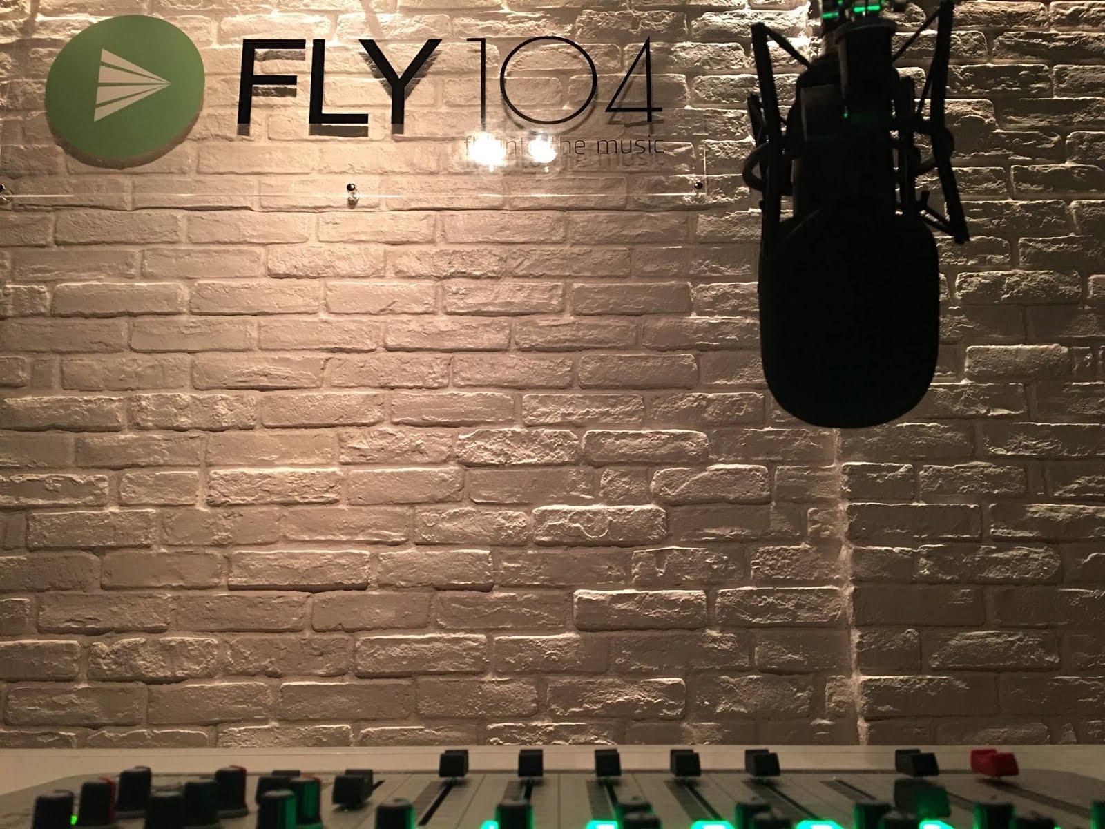 Ο FLY 104 FM ΕΙΝΑΙ ΣΤΟΝ ΑΕΡΑ!