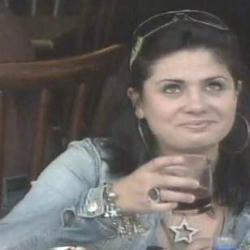 Garçom beringela deixa mulher constrangida