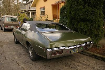old parked cars 1968 pontiac lemans 350. Black Bedroom Furniture Sets. Home Design Ideas