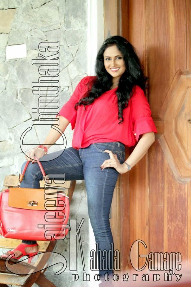 Tharushi Suramya jeans new