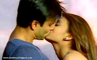 Download 2012 Lip Kiss Scene 2014 - Hollywood Lip Kiss Scene 2014 - HD Photos Lip Kiss Scene 2014 - Lip Kiss Scene 2014 HD Photos - Lip Kiss Scene 2014 Image