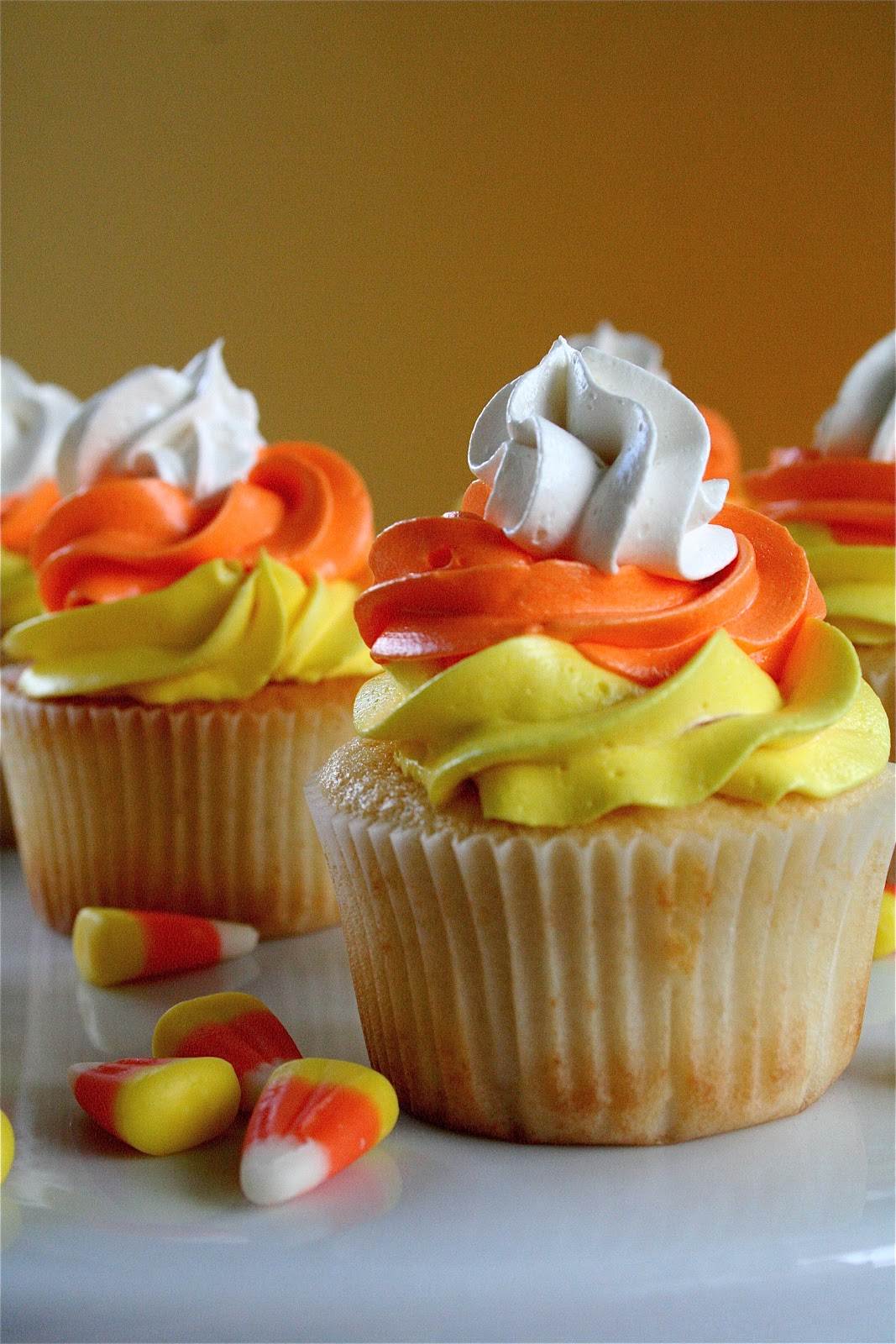 Be different act normal candy corn cupcake ideas for How to make halloween cupcake cakes