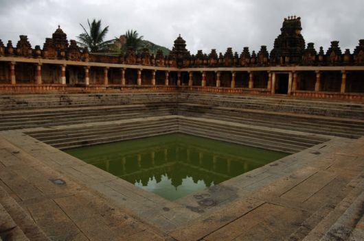 Temple Tank , Bhoga Nandeeshwara temple, Karnataka