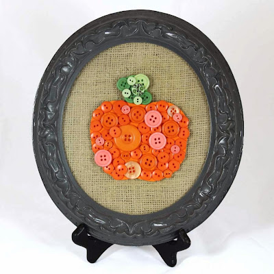 http://www.doodlecraft.blogspot.com/2011/09/pumpkin-buttons.html