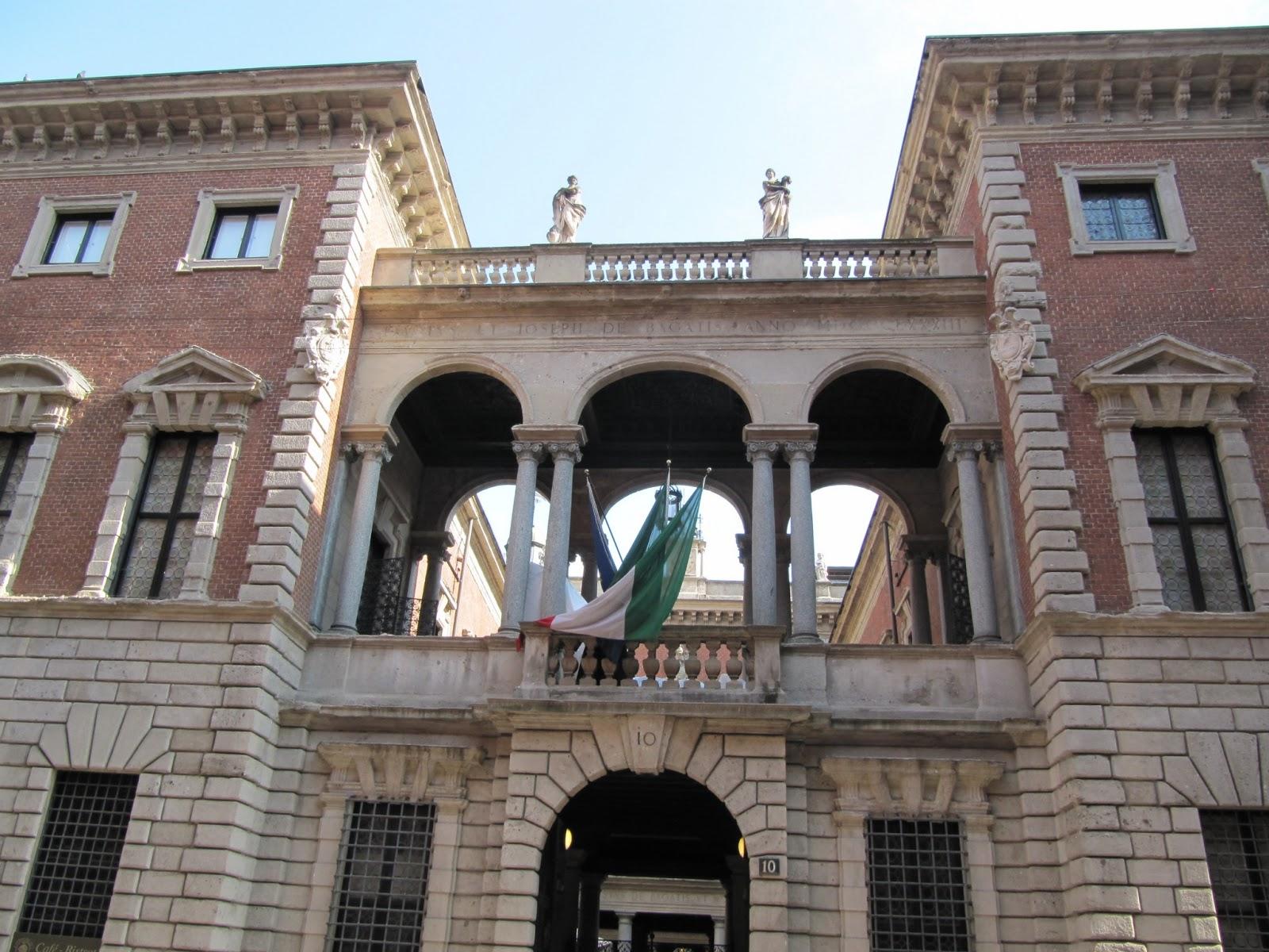 Le canard milanais le palais bagatti valsecchi for Architecture canard