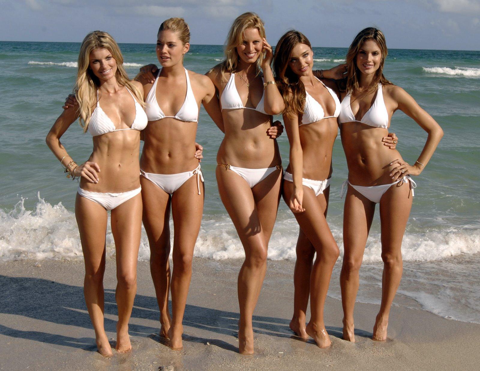 http://1.bp.blogspot.com/-LIQnnRlzZ8E/TyPi7GBLXcI/AAAAAAAAB_A/bvPaLGjYXrw/s1600/Doutzen_Kroes_Alessandra_Ambrosio_Miranda_Kerr_Karolina_Kurkova_Marisa_Miller_Bikini+0001.jpg