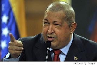 Chávez vuelve a Venezuela tras radioterapia en Cuba