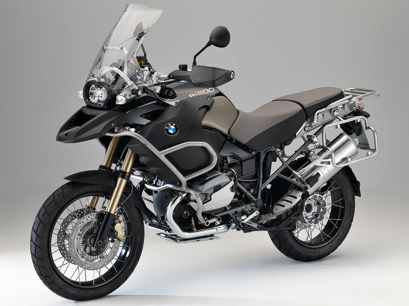2013 bmw r1200gs adventure 90 years special model review. Black Bedroom Furniture Sets. Home Design Ideas