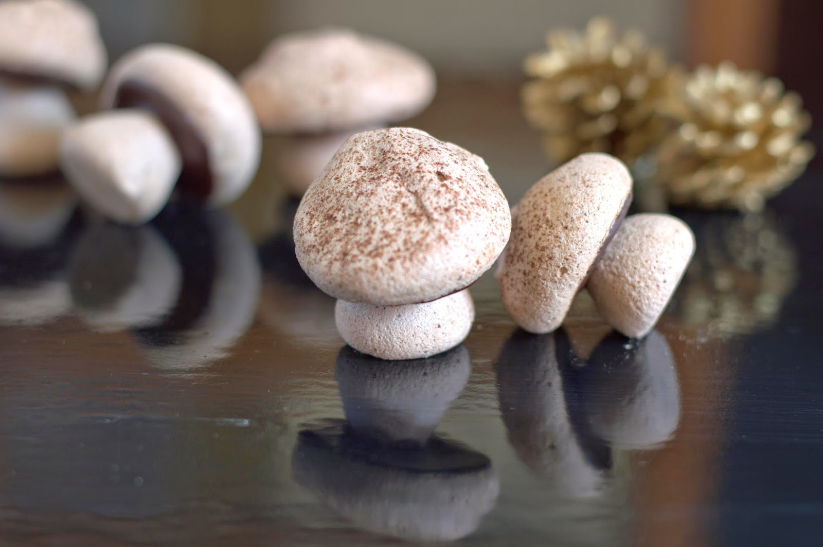 Cakes And More!: Cocoa Meringue Mushrooms - Welcome December!